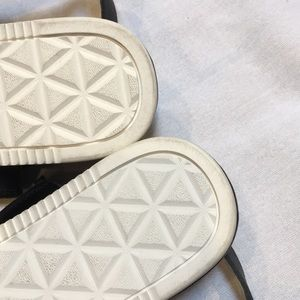 Teva Shoes - NWOB Teva Avaiina Sandal. Size 6.